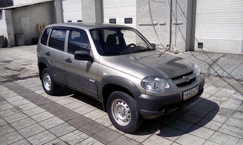 Chevrolet, Niva, I Рестайлинг, 1.7 MT (80 л.с.) 4WD, (2009 - 2020)